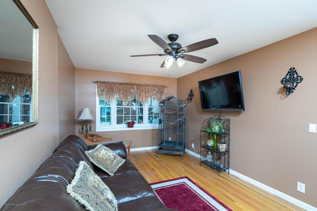242 Eastham Rd, Point Pleasant, NJ 21929325