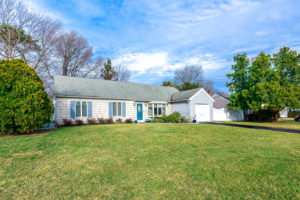 1102 West Lake Front2
