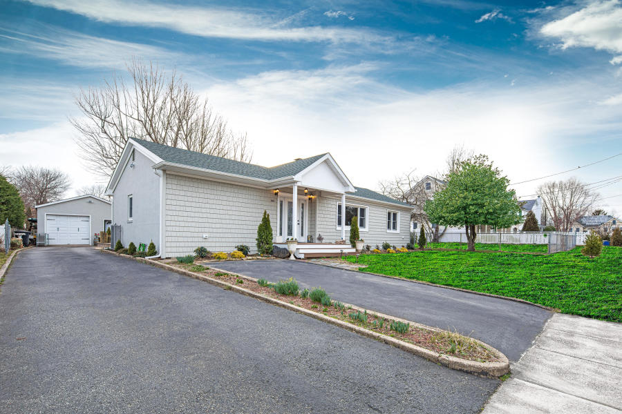 645 Woodland Ave, Brielle, NJ  22011140